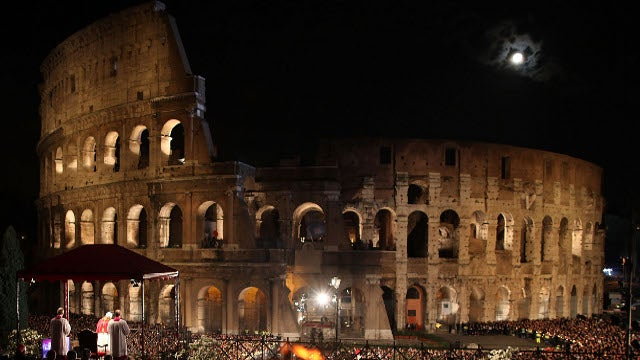 The Family that turned the Roman Colosseum into a Fort