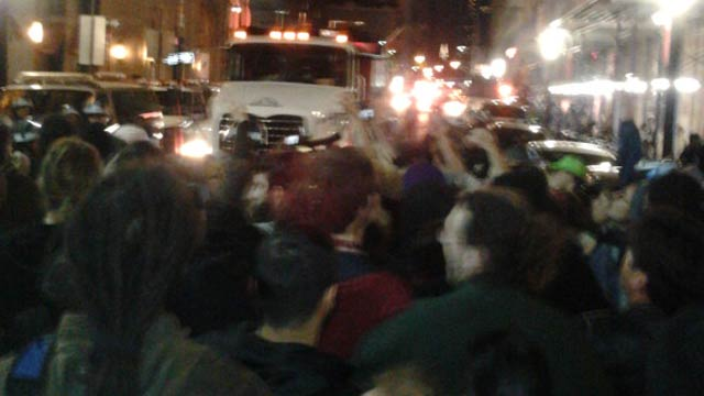 Here's What Last Night's Occupy Wall Street Raid Looked Like Through Cellphones