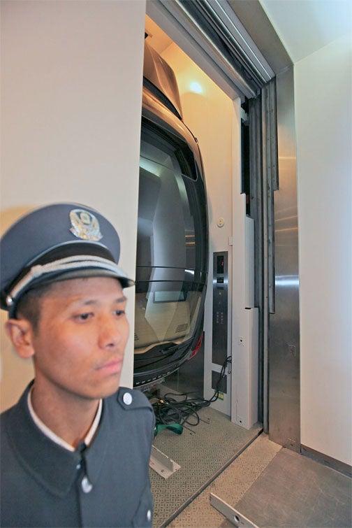 Lazy Porsche Demands Elevator Service
