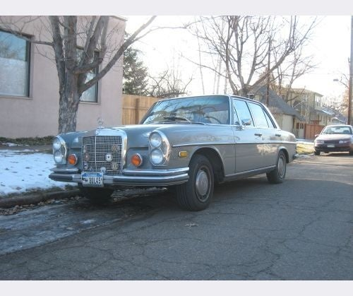 Mercedes-Benz 280SE 4.5 Down On The Denver Street