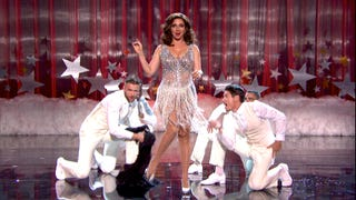 <em>The Maya Rudolph Show</em> Is Half-Man, Half-Muppet, And All Woman