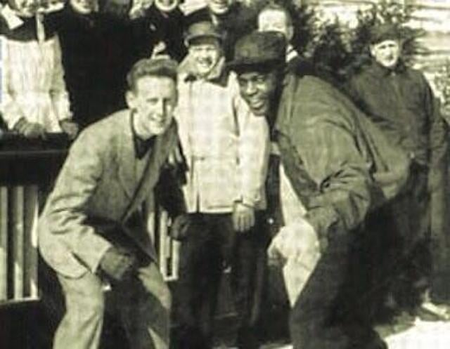Here's A Picture Of Jackie Robinson And Vin Scully On Ice Skates