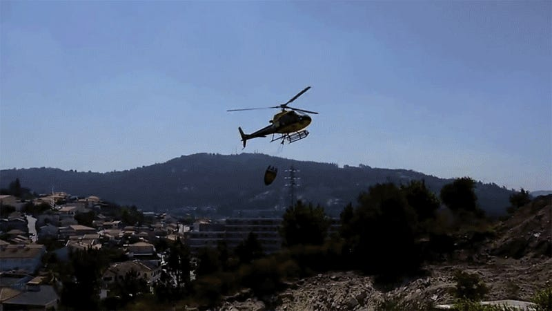 The 10 Most Amazingly Skillful Helicopter Maneuvers Ever Filmed
