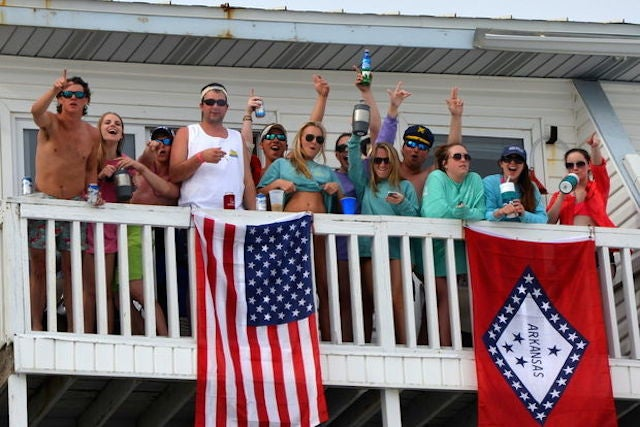 Reporter Captures The Fleeting Glory Of Youth In One Spring Break Photo
