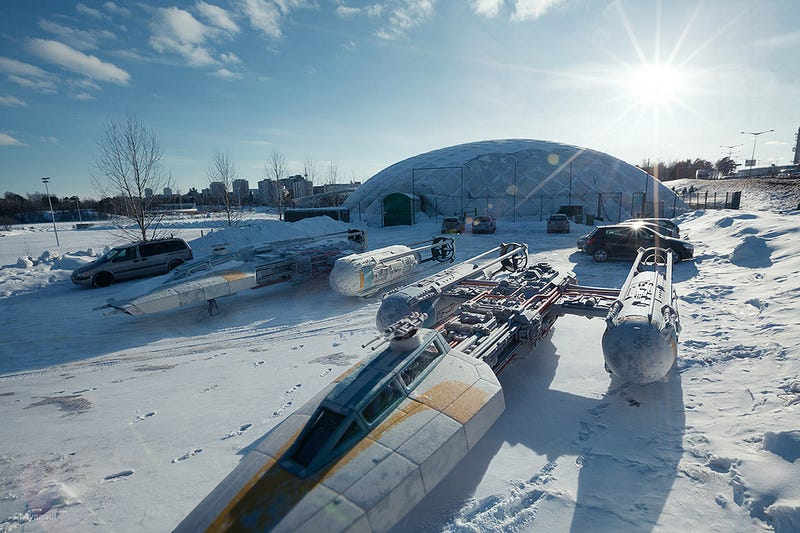 Star Wars toys photos look more realistic than the real Star Wars