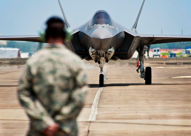 Airplane Porn: The First F-35 Arrives at Its First Home