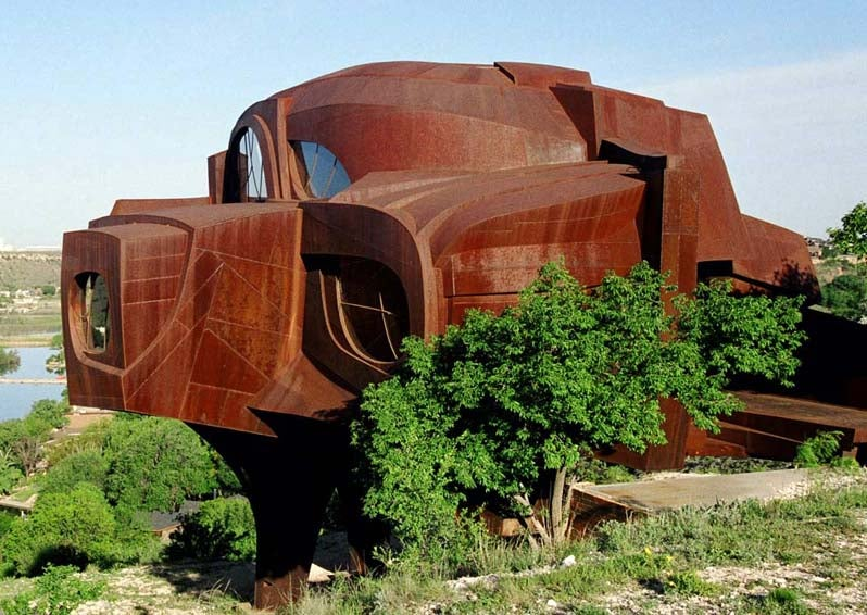 A House Made from 110 Tons of Steel