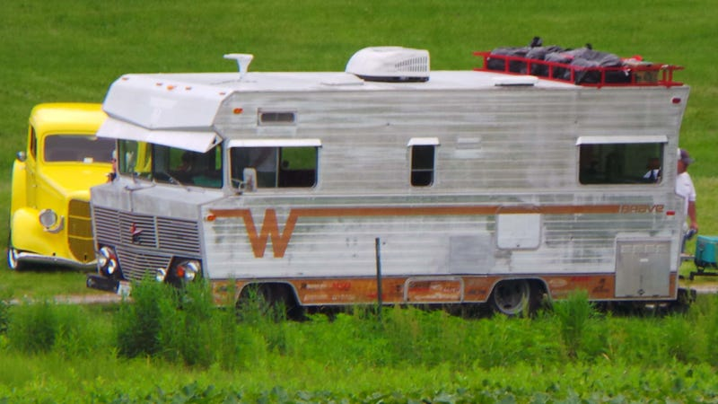 """Ringbrothers Turned The """"Rat Rod RV"""" Into A WWII Tiki Pizzeria Bomber"""