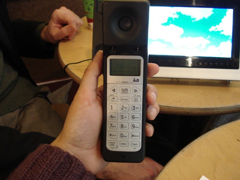 GE Photo Phone Matches Faces to Voices With Caller ID