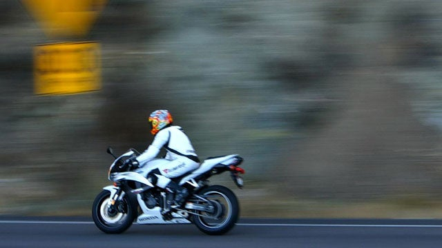 Speeding motorcycle spotted without rider on Texas highway