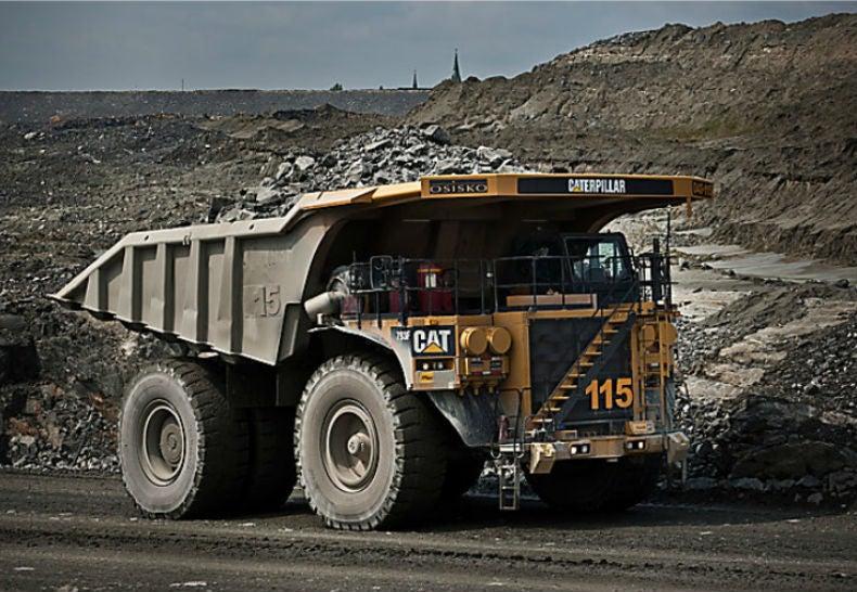 These Autonomous Dump Trucks Let Mines Operate Around the Clock