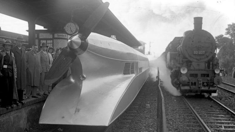 Is it a plane? Is it a train? No, it's a prop-driven V12 locomotive!