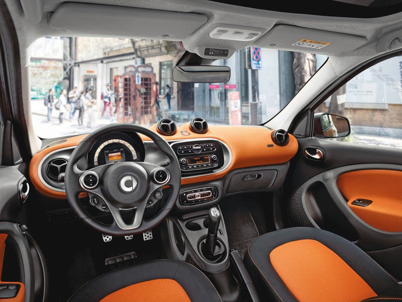 The 2016 Smart ForTwo Stays Small But Gets Huge Improvements