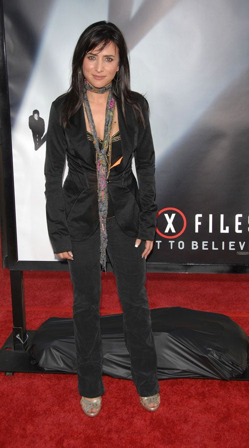 X-Files Movie Premiere: I Want To Believe But The Clothes Won't Let Me