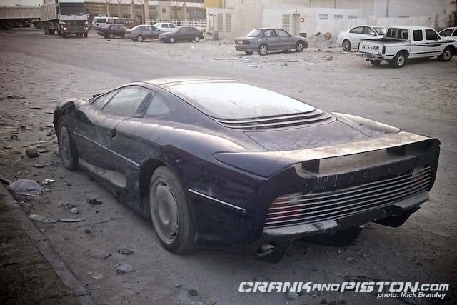Jaguar XJ220: Leaving A Big Cat To Die