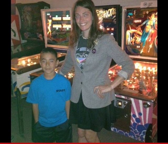 Local Pinball Shop Gives Cardboard Arcade Kid Free Vintage Pinball Machine