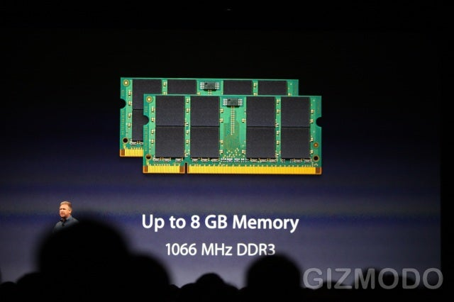 New 15-Inch MacBook Pro Features 7-Hour Battery Life and SD Card Slot