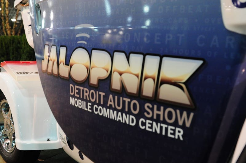 Jalopnik GEM-Powered Detroit Auto Show Mobile Command Center