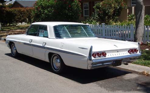 DOTS-O-Rama Sunday: 1961 Pontiac Bonneville