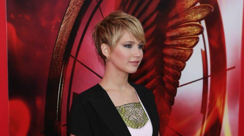 Jennifer Lawrence Has Awesome Freakout on Paparazzi