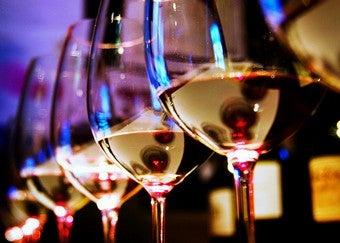 Select Proper Glasses for Maximum Wine Enjoyment