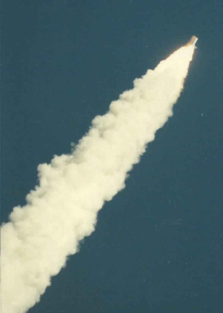 Long-Forgotten Photographs Reveal Challenger Disaster As It Happened
