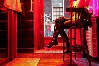 Superfreakonomics Authors Ask: Why Aren't More Women Prostitutes?