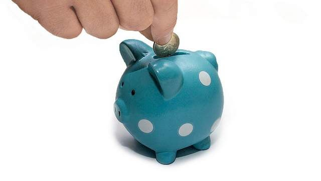 How to Teach Young Kids Budgeting Habits Early On