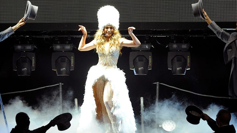 Jennifer Lopez, Queen of the Fuzzy Hats