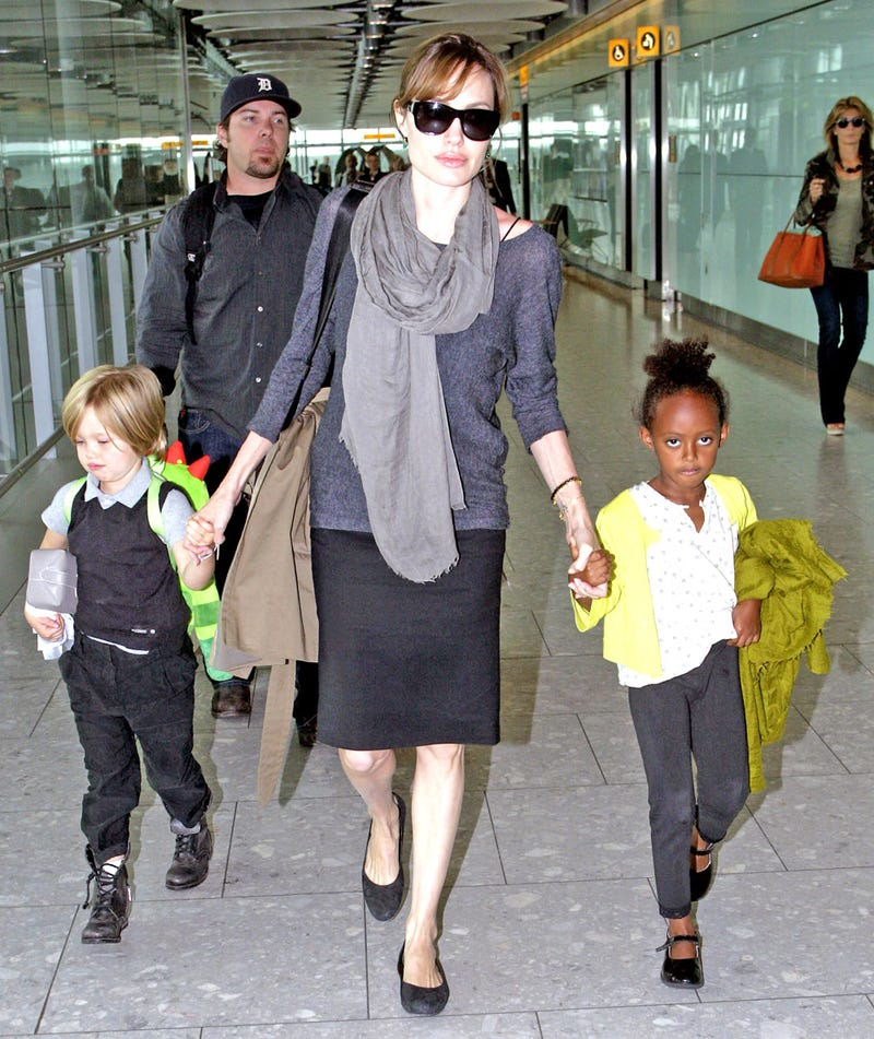 Angelina Jolie Forces Every Parent at Her Kids' School to Sign Confidentiality Agreement