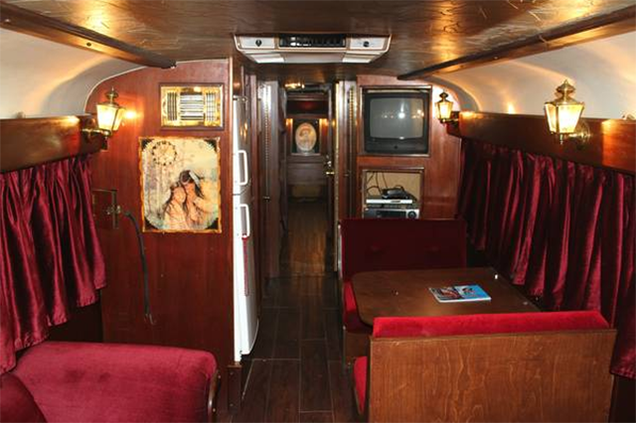 You Can Buy Willie Nelson S Swanky Old Tour Bus On Craigslist