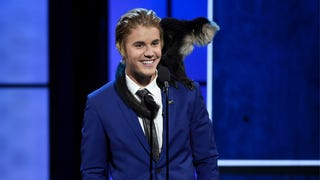 "Justin Bieber's ""Reunion"" With His Abandoned Monkey Was a Fraud"