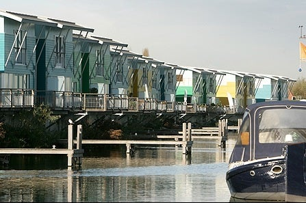 Modern Boat Homes to Survive Rising Sea Level