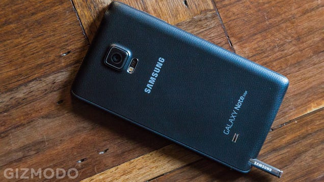 Galaxy Note Edge Review: This Crazy Smartphone Ain't Half Bad
