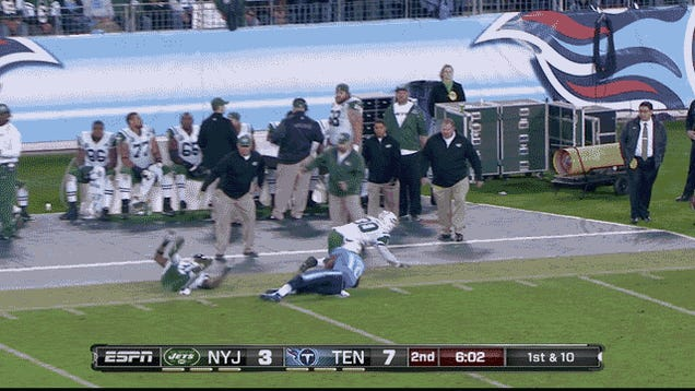 """It's Hard To Watch An NFL Team Struggle With The Most Basic Concept"": Jets-Titans, In Three GIFs"