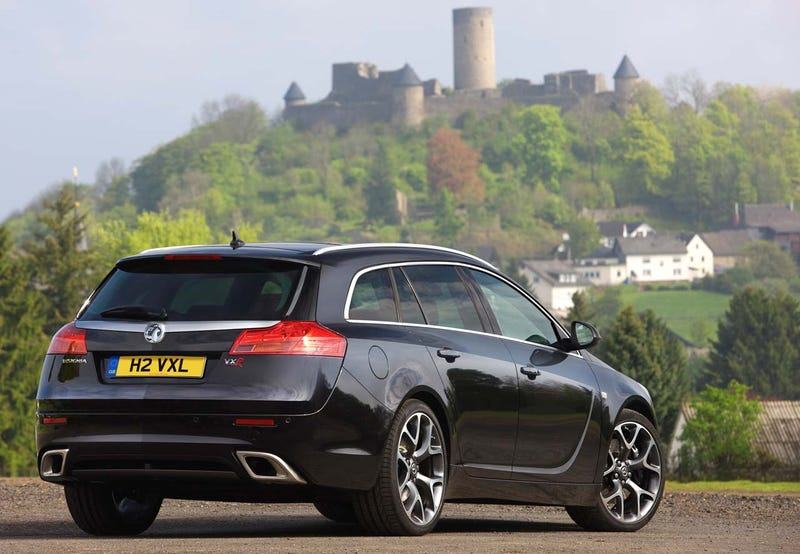 Vauxhall Insignia Sport Tourer VXR: A Spectacular 320 HP Wagon You Can't Have