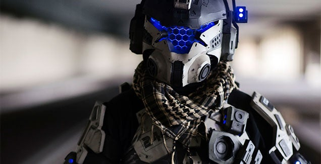 60 Seconds To Perfect Titanfall Cosplay