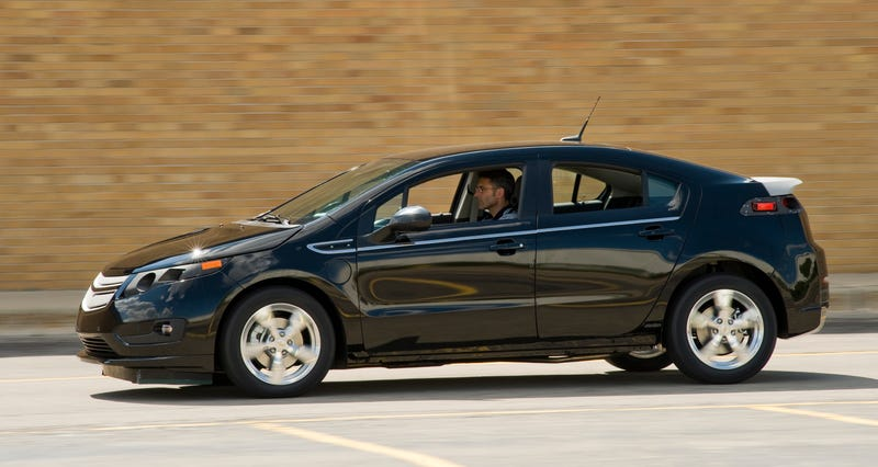 Pre-Production Chevy Volt Plugged In, Testing In Real World