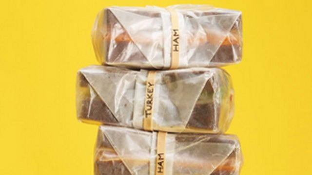 Label Sandwiches with Rubber Bands