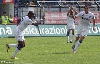 Samuel Eto'o Beats Stupid Italian Racists 1-0