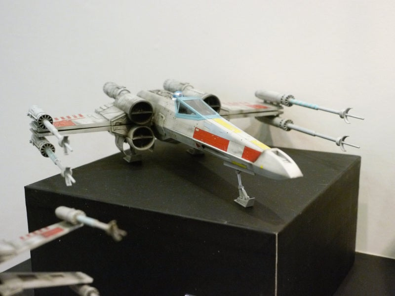 Beautiful Star Wars Ships, and a Huge Gundam Head