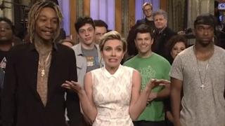 Scarlett Johansson Spoils Mayweather-Pacquiao For The<i>SNL </i>Cast