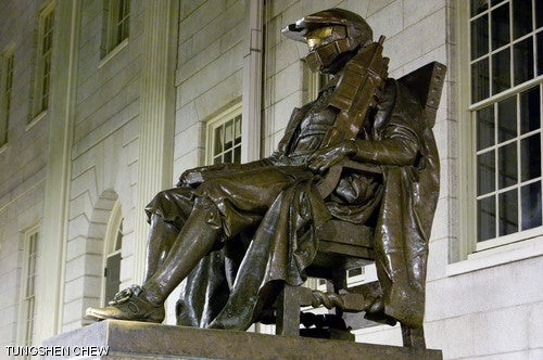 MIT Hackers Prank Harvard Statue With Master Chief Helmet, Assault Rifle