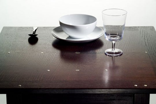 Magnetic Table Eliminates Need for Kitchen Cupboards