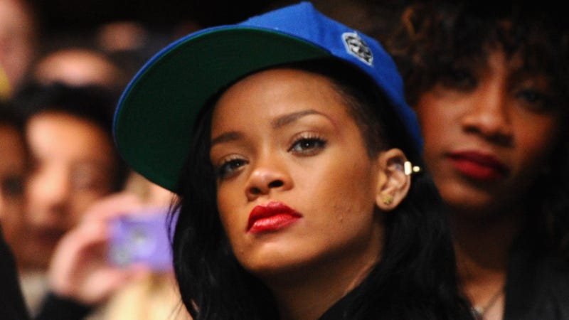 Rihanna Reveals Her Shitty Accountant Left Her Bankrupt