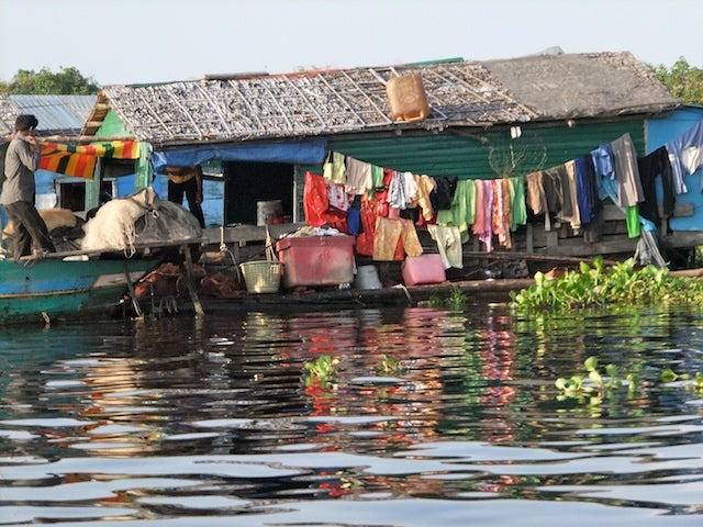 Cambodia's floating village migrates with the seasons