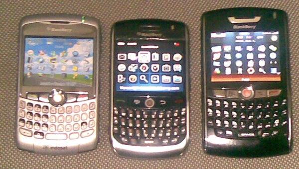 BlackBerry Javelin Live Comparison Shot: More Svelte Than the Curve