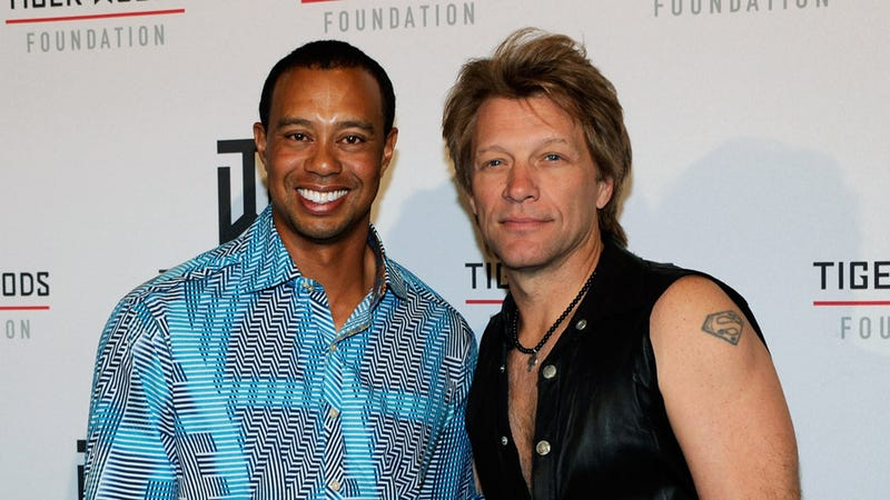 Tiger Woods Hypnotizes Jon Bon Jovi with His Shirt