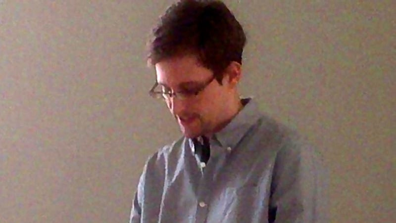 Snowden Reportedly Started Stealing Spy Documents While Working at Dell