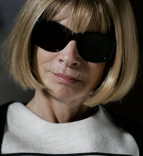 Anna Wintour Attempts To Make Friends With Teenage Girls